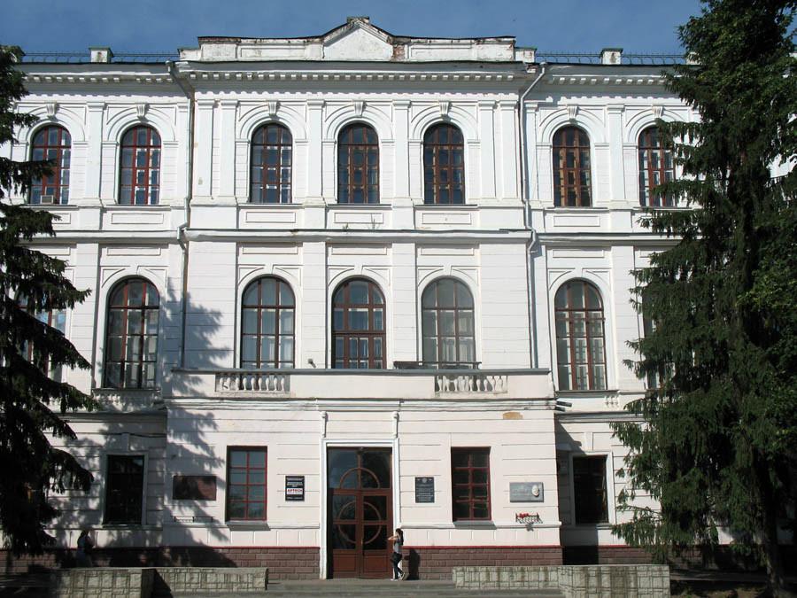 Бывшее здание Тамбовской духовной семинарии на Набережной (ныне один из корпусов ТГТУ)
