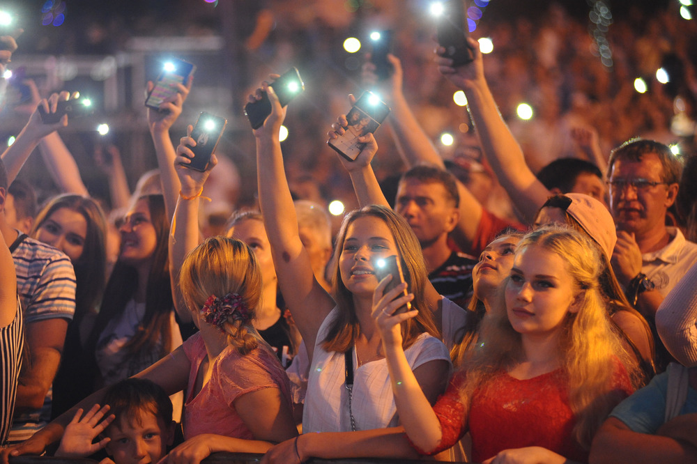 фото день молодежи россии обратил внимание александра